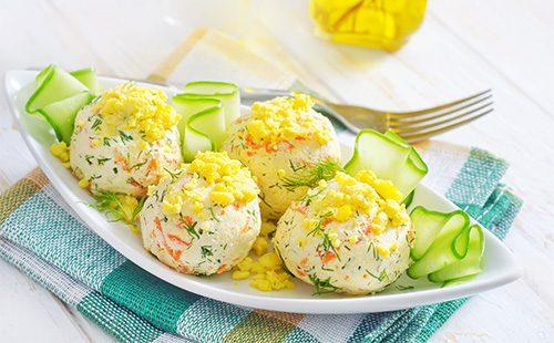 Салат в виде шариков
