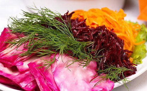 Салат из капусты, буряка и моркови