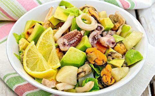 Салат из авокадо Морской