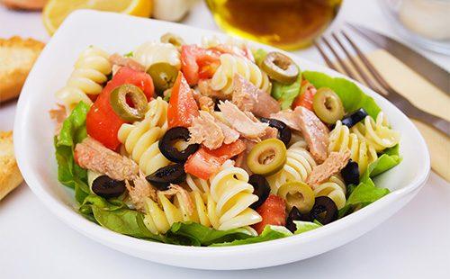 Салат из тунца и макарон