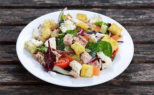 Салат из тунца и сыра