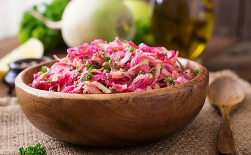 Салат с редькой и свеклой