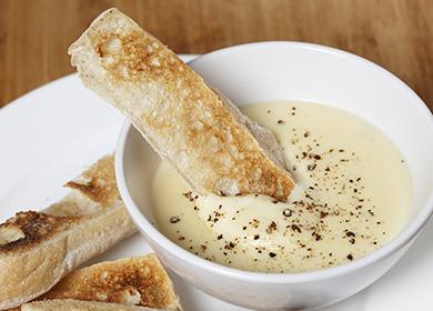 Как готовится сырный соус