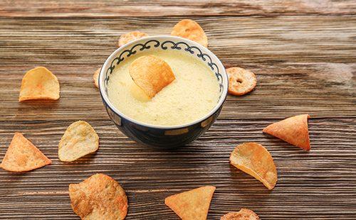Сырный соус с чипсами