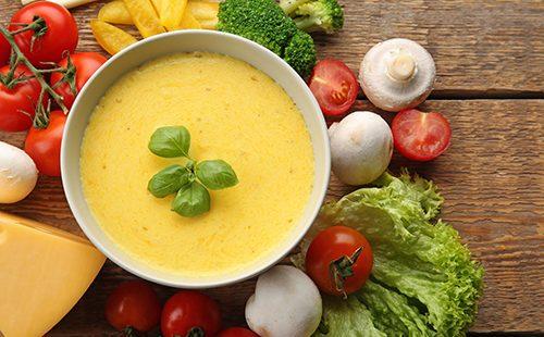 Сырный соус с овощами