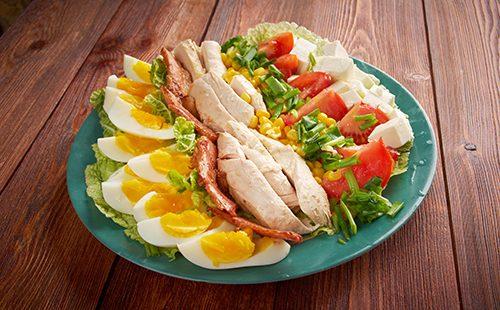 Салат с мясом и креветками