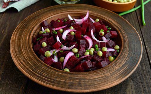 Салат со свеклой и луком