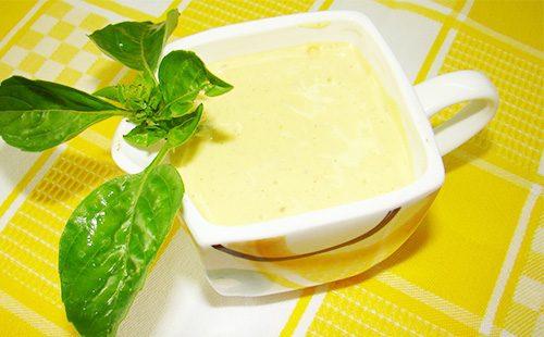 Белый соус в соуснике
