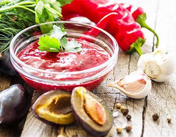 Salsa Satsabel Una Receta Con Nueces Granadas Uvas Moras